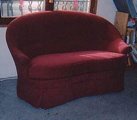 canapé crapaud canapés tapissier decorateur lieux les lavaur