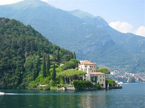 The Fairy Tale Beautiful Lake Como Italy Decorology