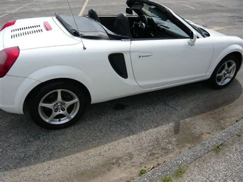 new two door toyota sports car purchase used 2001 toyota mr2 spyder base convertible 2