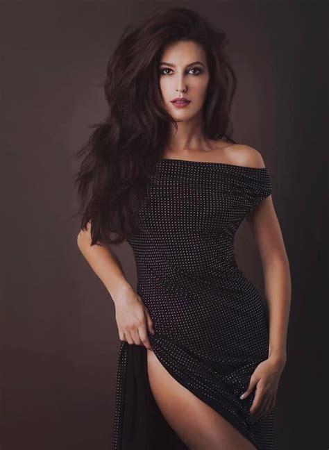 Hot pics of Katrina's sister Isabelle Kaif