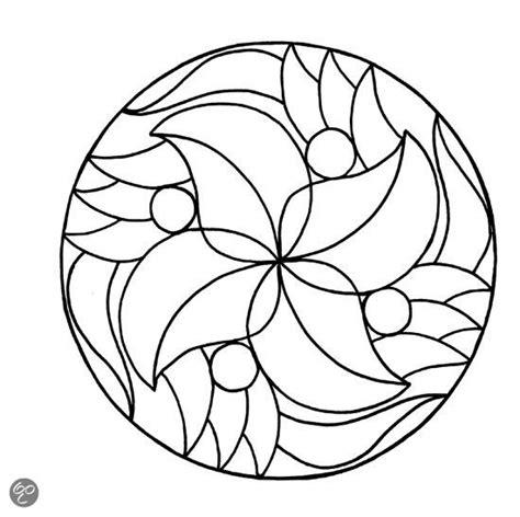 Kleurplaat Met Herfstbladeren Simpel by Mandala Kleurplaat Makkelijk Zoeken Mandala