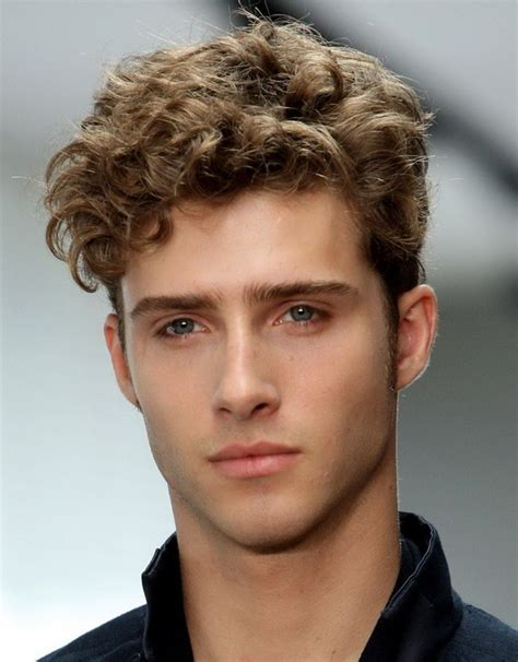 Hairstyles For Boys With Curly Hair by 25 Exceptional Hairstyles For Guys Creativefan