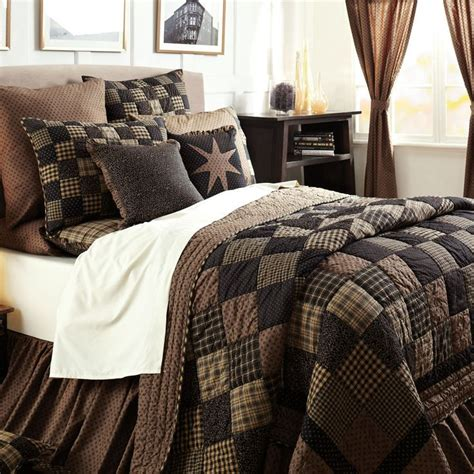 Bedroom Quilt Sets by Best 25 Primitive Bedding Ideas On Brown Bed