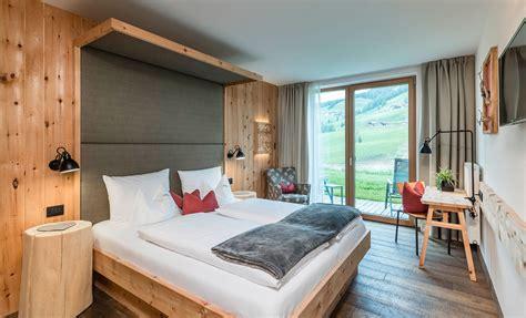 Zimmer Modern by Moderne Zimmer Und Suiten Im Nat 252 Rlich Stylishen Holz Design