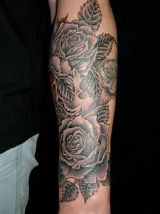 Rosen Tattoos Schwarz : beste unterarm tattoos tattoo lass deine tattoos bewerten ~ Frokenaadalensverden.com Haus und Dekorationen