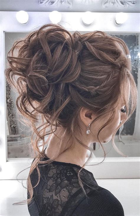 44 Messy updo hairstyles The most romantic updo to get