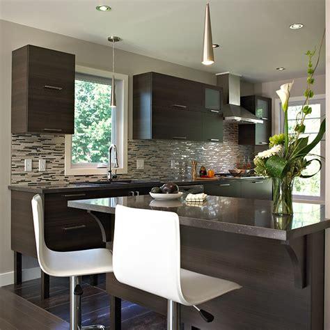 cuisine armoire brune cuisines beauregard cuisine réalisation 256 cuisine