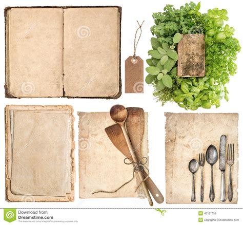 ustensiles de cuisine en bois ustensiles de cuisine vieux livre de cuisine pages et