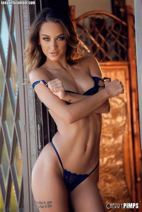 pictures  uma jolie  deserve    girlswomens uma jolie sexy lingerie bikinis