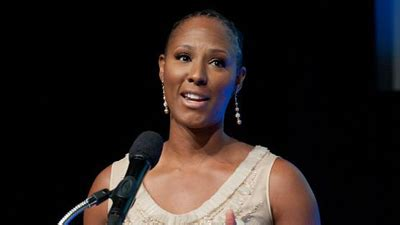 wnba standout chamique holdsclaw arrested