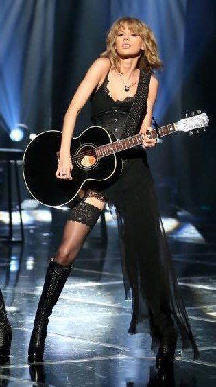 Pin by Divyanshi on TS Bow to her | Taylor swift outfits ...