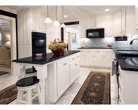 White Kitchen Cupboards With Black Countertops by White Cabinets With Granite Countertops Ideas