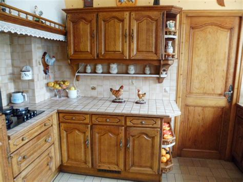 exemple cuisine modele de cuisine en bois repeindre mzaol com