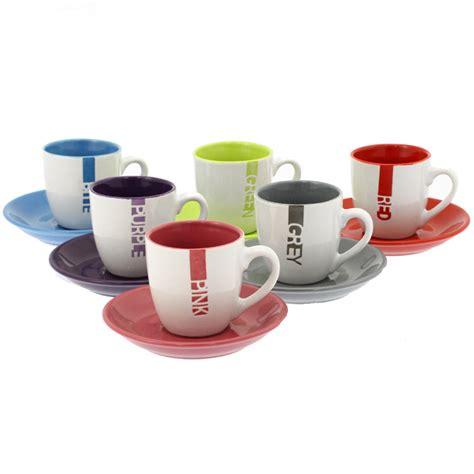 hauteur luminaire table cuisine tasses à café couleurs avec soucoupes en couleurs