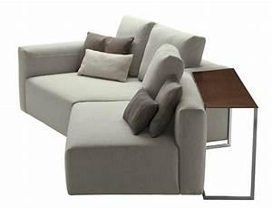Sofa Für Kleine Wohnzimmer : ein sofa mit tisch party von zanotta ~ Bigdaddyawards.com Haus und Dekorationen