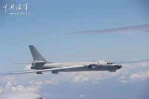 Bombers in real-combat drill - People's Daily Online