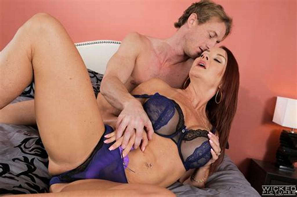 #Janet #Mason #Redheaded #Cougar #Takes #Takes #Hung #Stud #To #Bed