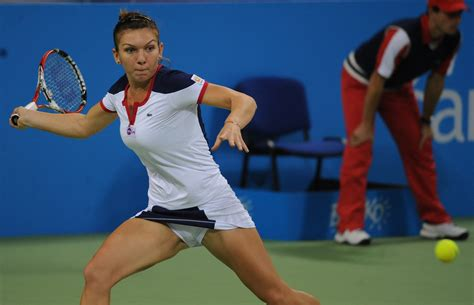 Simona Halep Outfits | Rackets, Clothing, Shoes | Tennis-Point