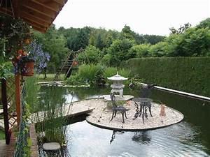 Jardin Avec Bassin : bassin de jardin avec ilot bassin de jardin ~ Melissatoandfro.com Idées de Décoration