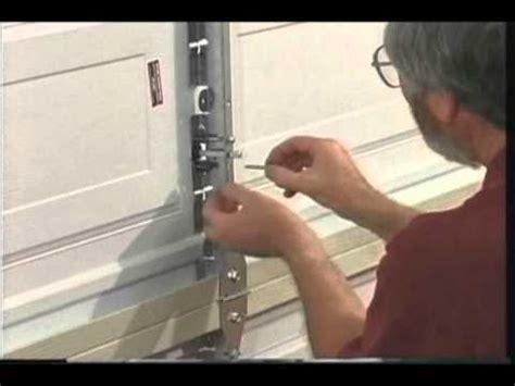 martin garage door keyed center lock system youtube