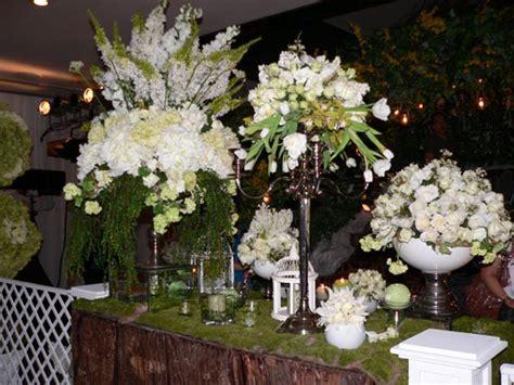 rangkaian bunga segar putih  hijau