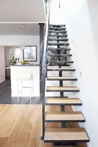 Escalier Fer Et Bois : escalier design m tal et bois sur limon central marches ~ Dailycaller-alerts.com Idées de Décoration