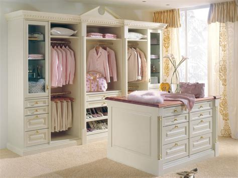 S Closet by Boutique Inspired Closets Hgtv