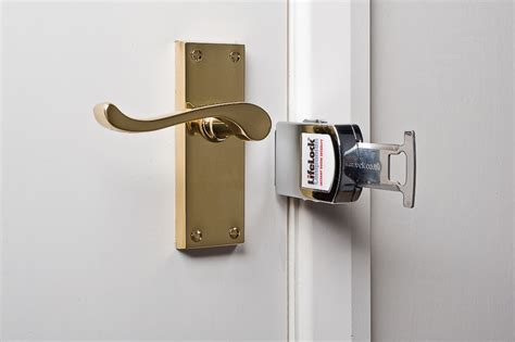 chambre de survie edc de voyage le lifelock sécurise votre porte d 39 hôtel