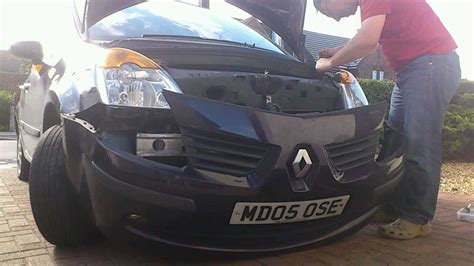 changing headlights bulb   renault modus youtube