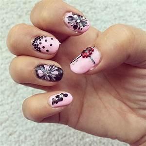 Simple Pink And Black Nail Art - Nail Art Ideas