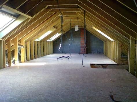 isoler un garage pour faire une chambre comment aménager des combles perdus