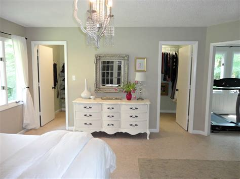 23 master bedroom with walk in closet and bathroom
