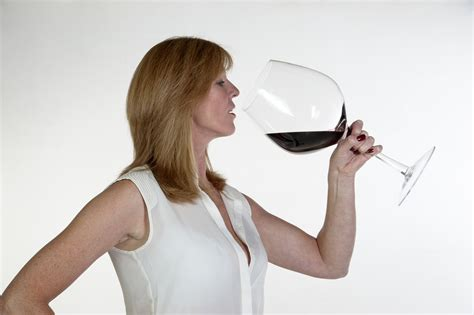 Moms Drinking All The Wine Tv Snack Guff