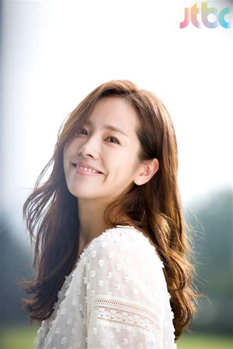 Han Ji Min Sports Short Hair For Her Rooftop Prince Character Soompi