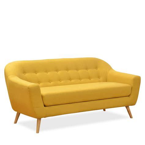 intérieur et canapé le canapé trois places coushto est fabriqué en tissu