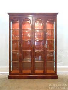 henredon yew wood large lighted display china cabinet ebay