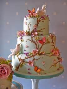 fondant hochzeitstorte 39 is in the air 39 wedding cake by lynette horner icing 1919778 weddbook