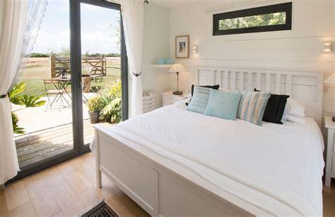 open plan bedroom cherrystone barn in ripe near lewes sussex