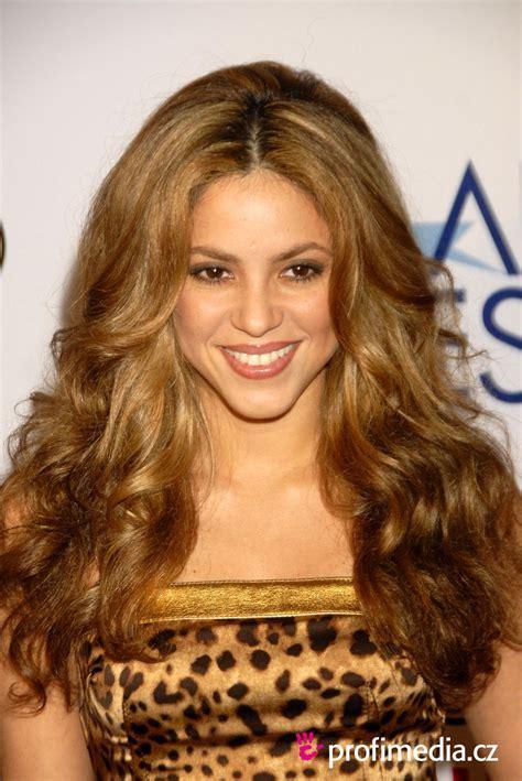 Shakira     hairstyle   easyHairStyler