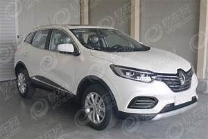 Renault Kadjar 2019   U043f U0435 U0440 U0432 U043e U0435  U0444 U043e U0442 U043e
