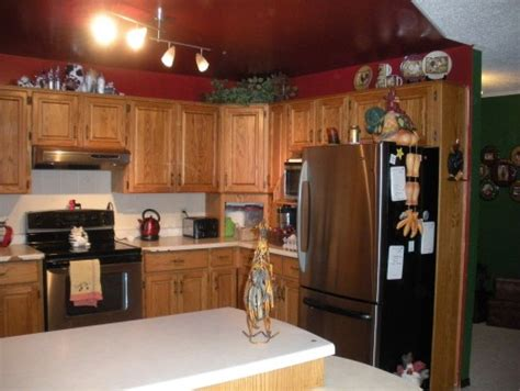 honey oak kitchen cabinets wall color kitchen walls with oak cabinets cabinets matttroy 8420