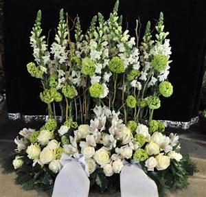 Trauer Blumen Bilder : gesteck trauer 001 ~ Frokenaadalensverden.com Haus und Dekorationen