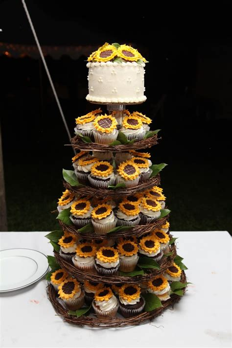 25 Amazing Rustic Wedding Cupcakes And Stands Deer Pearl