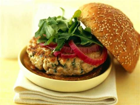 cuisiner un hamburger 10 façons de réinventer le thon en conserve