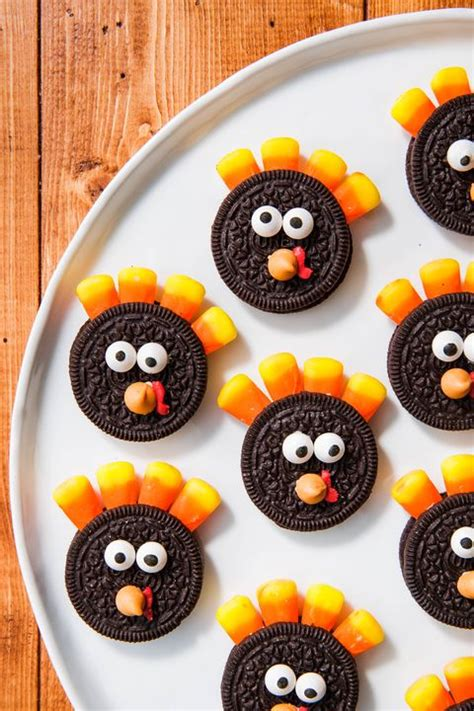 Thanksgiving isn't normally the time for a lot of creativity when it comes to food: 10+ Easy Turkey Treats - Cute Ideas for Turkey Treats
