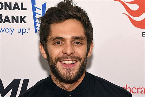 Thomas Rhett, 't-shirt' [listen]