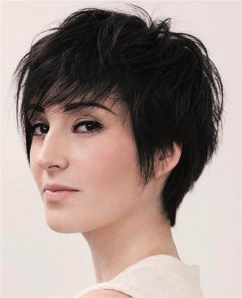 20 best collection of short haircuts for oblong face