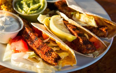Cuisine Keywest - the best fish tacos in key key food tours