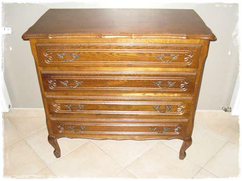 relooker un bureau en bois commode ancienne relookée broc et patine le grenier de