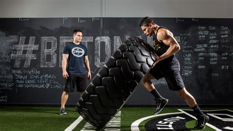 crossfit athletes tires muscle force